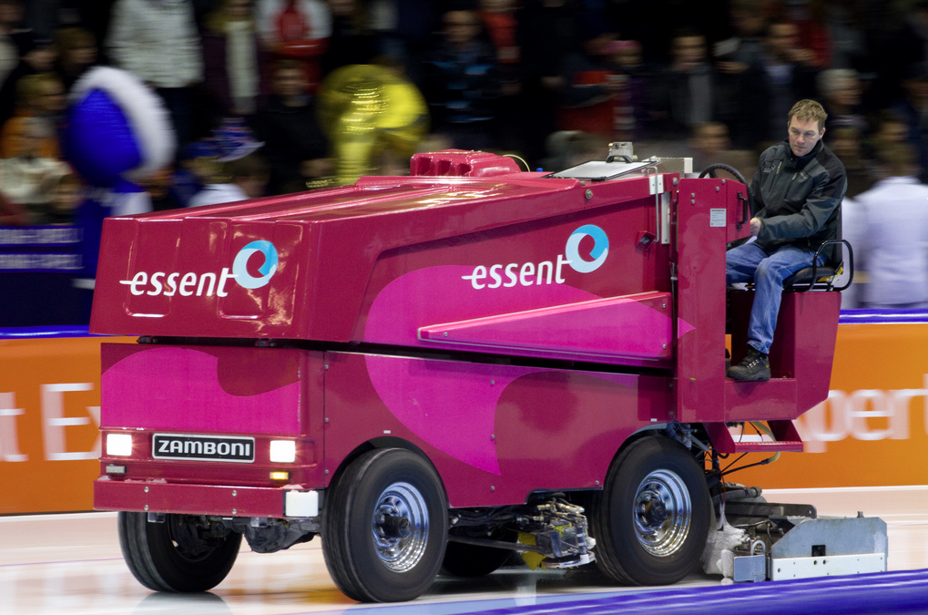 Zamboni advertising arena marketing group inc for Floor zamboni
